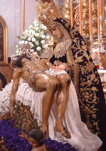 http://www.rafaes.com/glorias-2004/servitas-dolores-besm2004-rafaes8.JPG